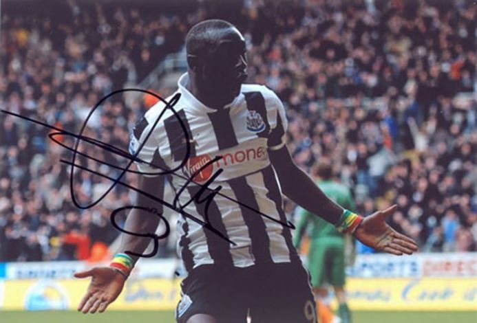 Papiss Cisse, Newcastle Utd & Senegal, signed 6x4 inch photo.